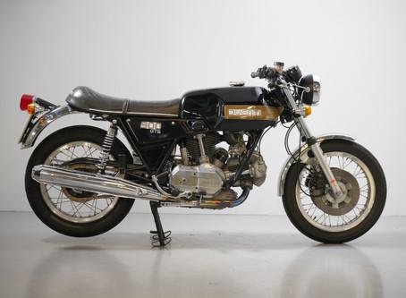 Ducati 900GTS