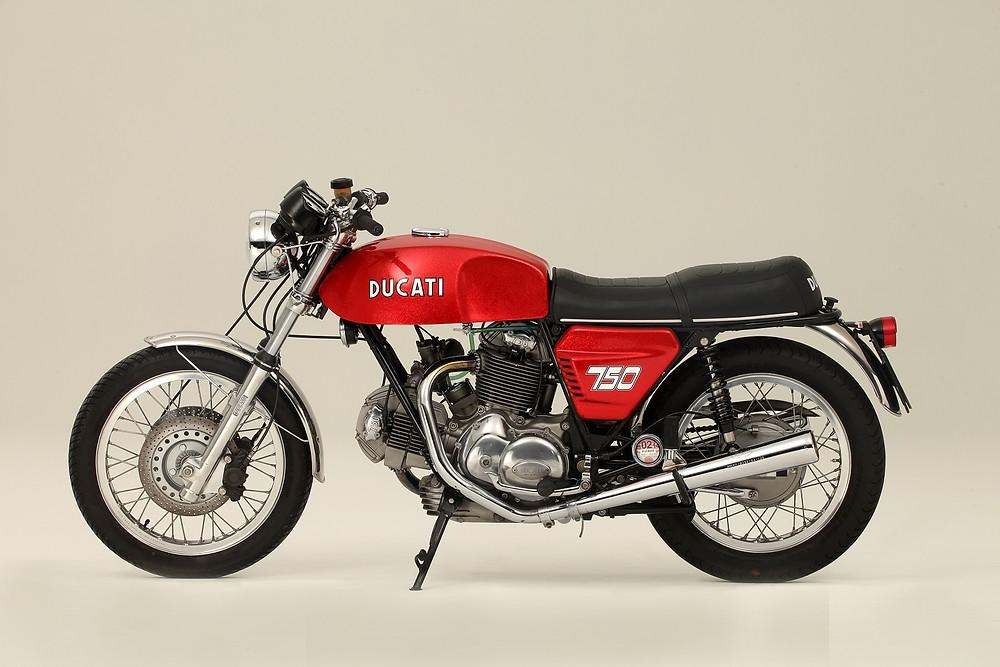 2014_02_Ducati 750GT 1972_2.jpg