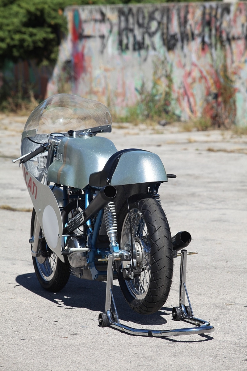 2013_10_original 1972 Imola 750 Race bike_4.JPG