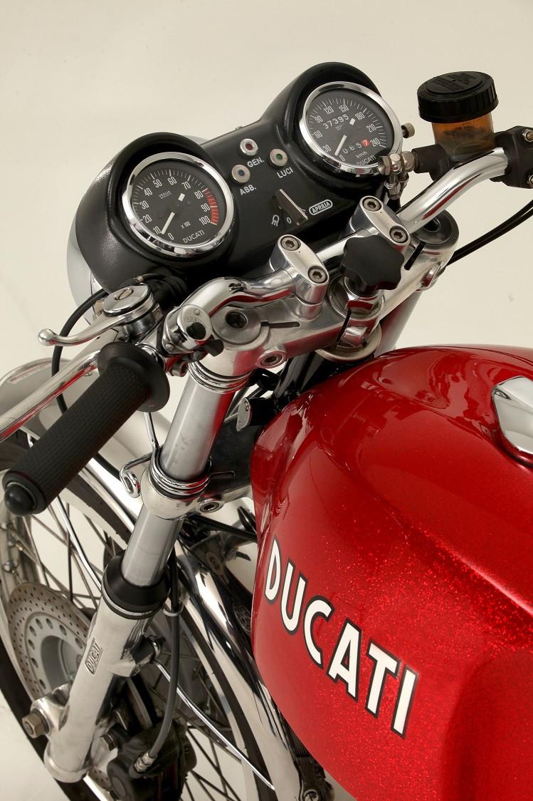2014_02_Ducati 750GT 1972_3.jpg