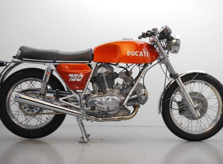 Ducati 750GT 1972 Sand cast.