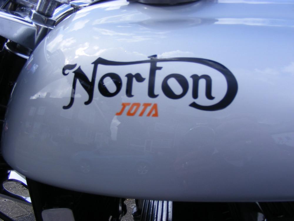 Norton-Laverda Jota 5.JPG