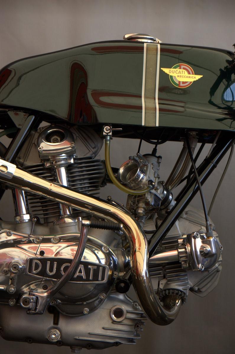 Ducati 1974 750 Sport Desmo Special Ducati Concorso Finals Laguna Seca 9-2007 3.JPG