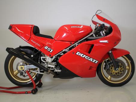 Ducati Lucchinelli replica 1989.