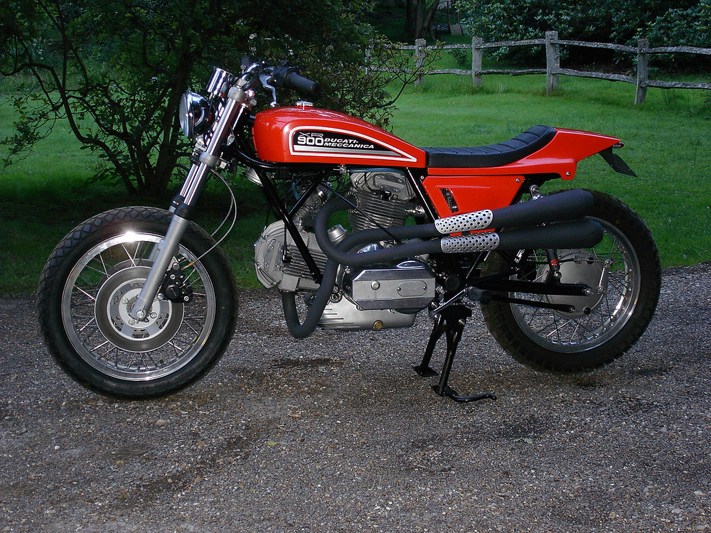 Peter Korens Ducati Flat track XR900 2.jpg