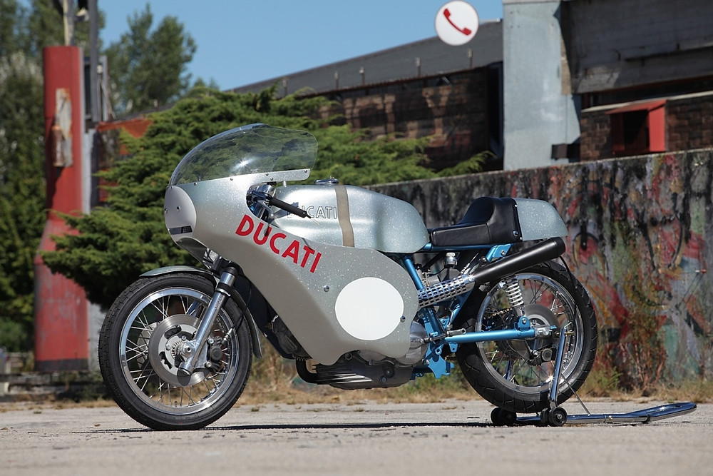 2013_10_original 1972 Imola 750 Race bike_1.JPG