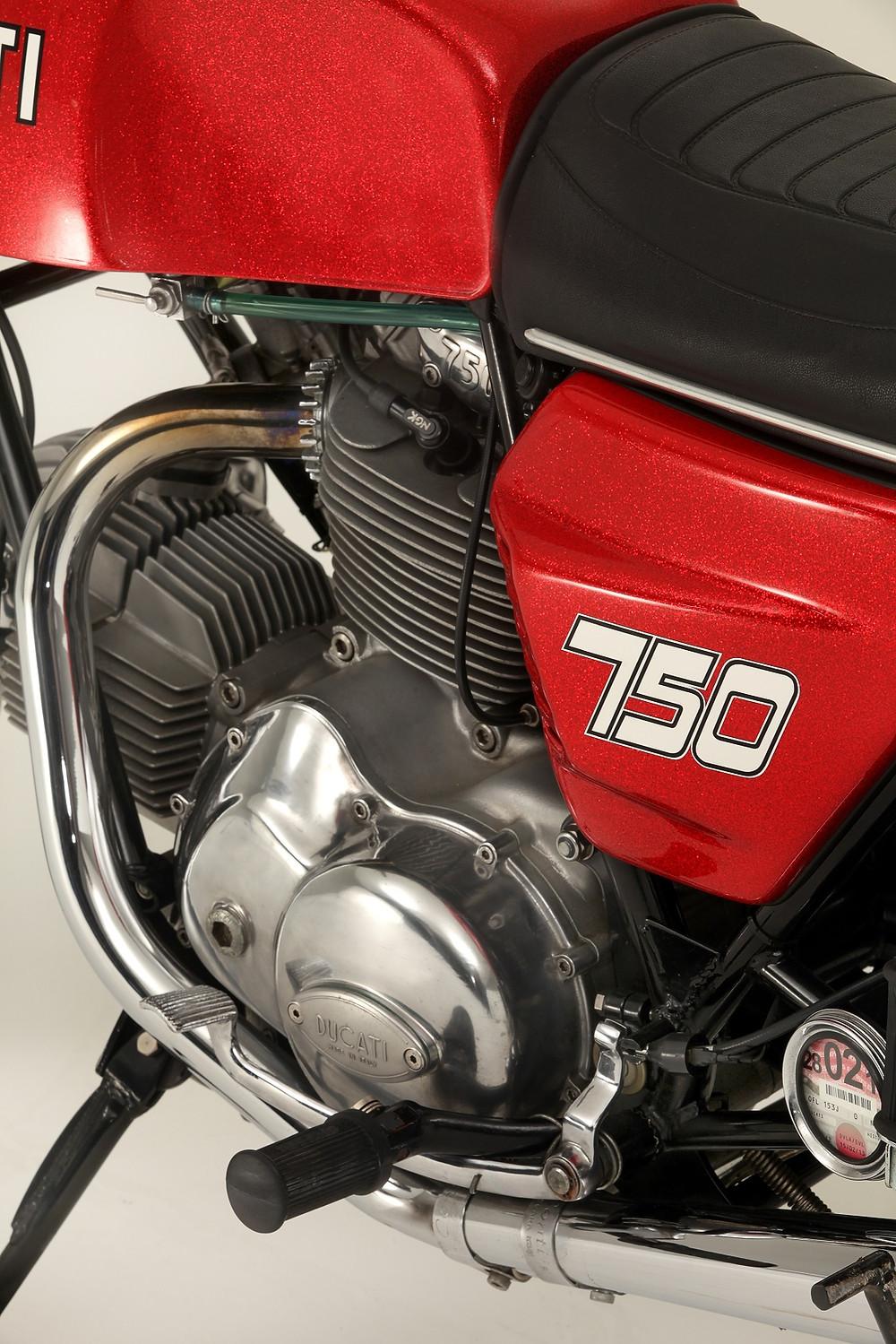 2014_02_Ducati 750GT 1972_5.jpg