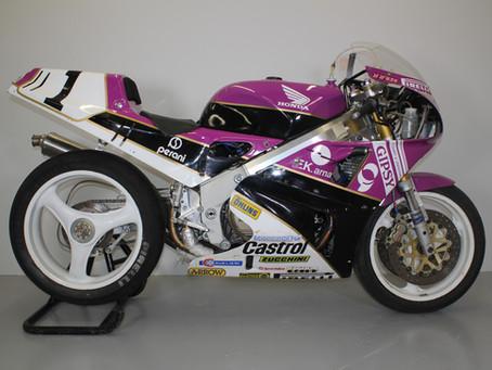 Honda RC30 Ex Fred Merkel Team Rumi.