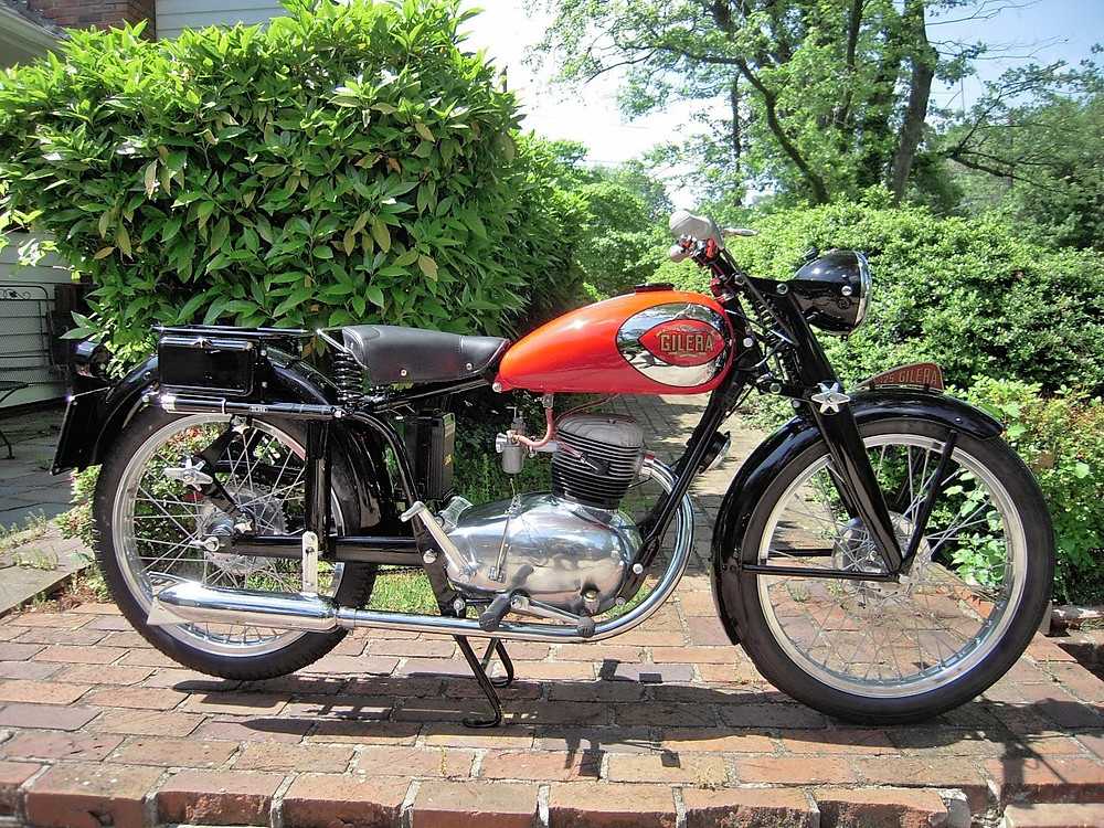 Peter 1950 Gilera 3.JPG