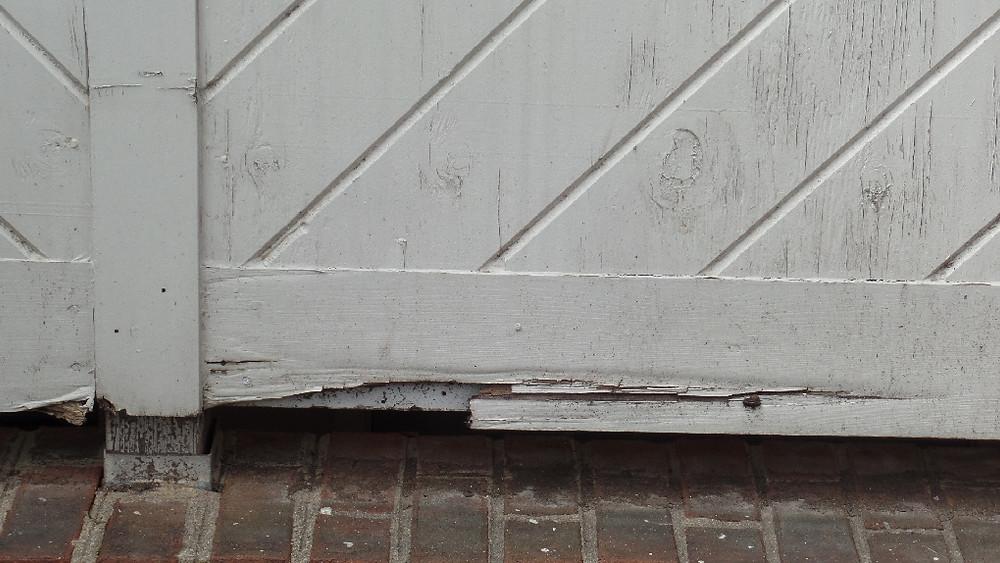 Balcony deterioration