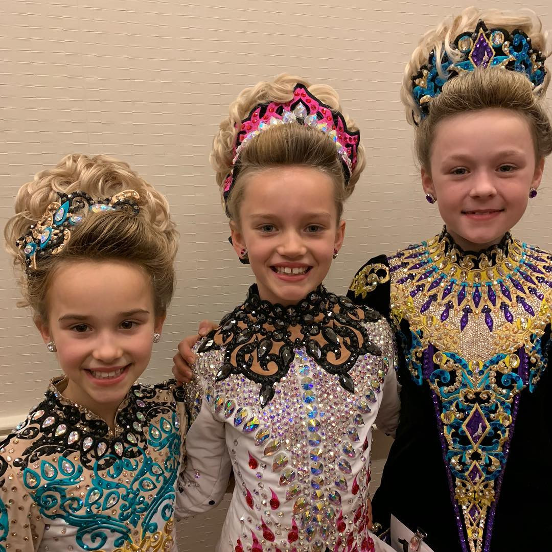Some of our younger dancers all smiles at oireachtas