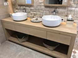 Plan salle de bain en bois brut