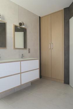 Placard de salle de bain sur-mesure