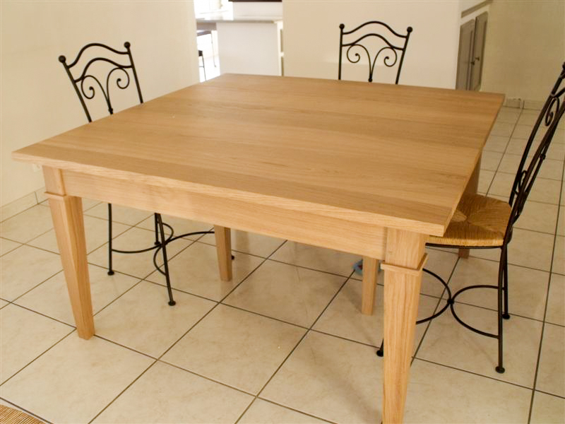 Table carré sur mesure