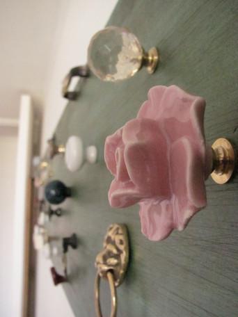 Kitsch Accessories Rack