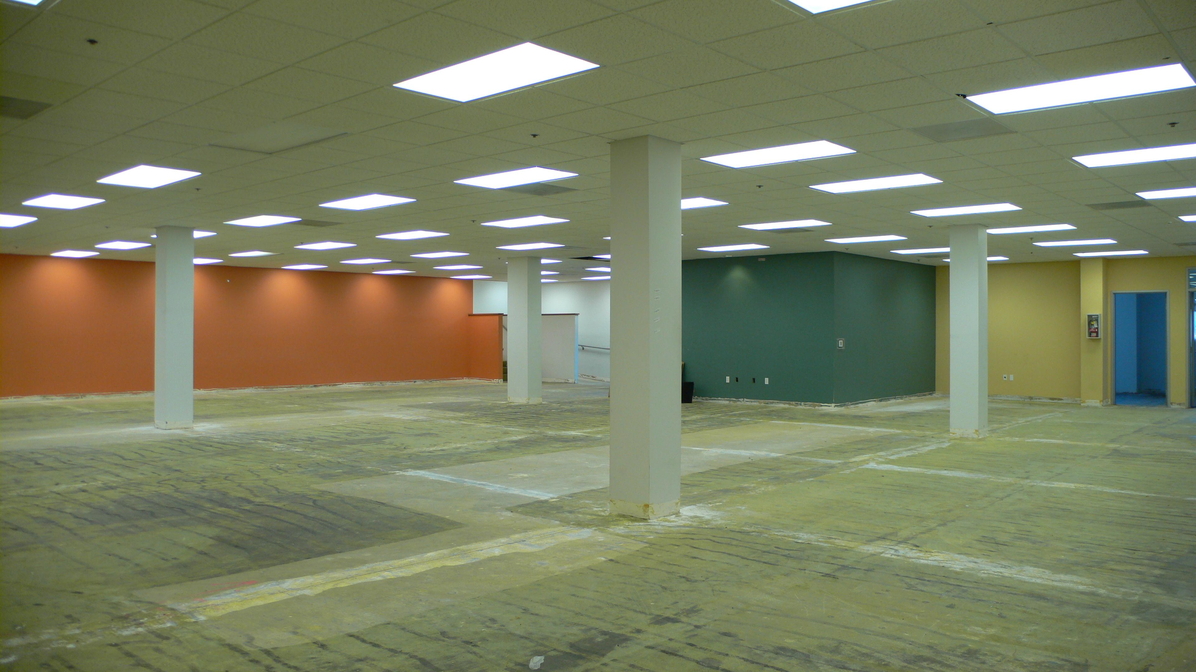 3741 interior 2 fl1.jpg