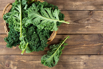 Leaves-of--raw-kale,-above-view.-6384510