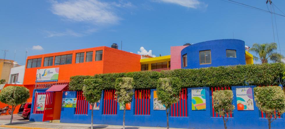 Colegio Bilingue - Kinder y Maternal