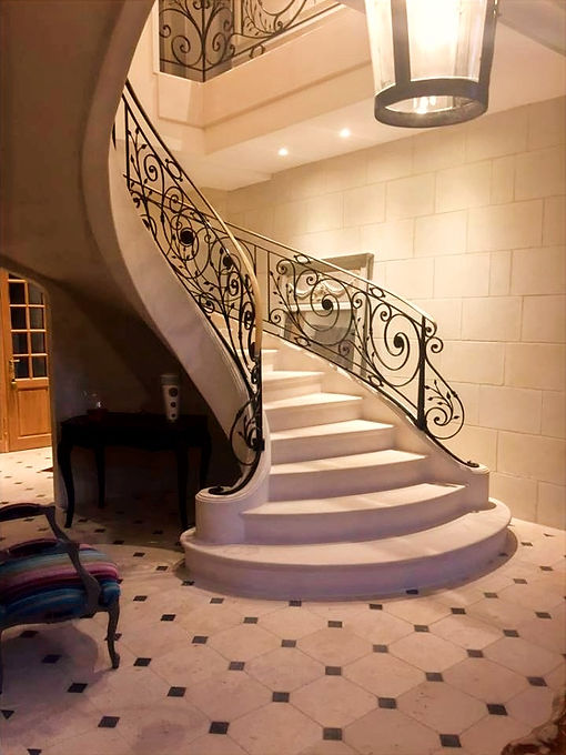 HV CONCEPT ESCALIER PIERRE FRANCE PARIS