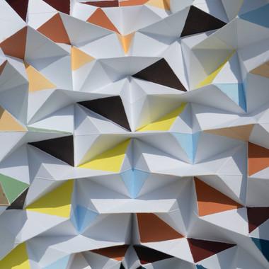 scultura, carta e colori acrilici, 20x47x20 cm, 2015 (collezione privata)
