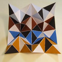 scultura, carta e colori acrilici, 25x25 cm, 2014
