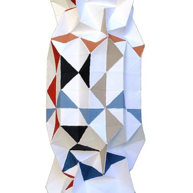scultura, carta e colori acrilici,  11x11x30 cm, 2015 (collezione privata)