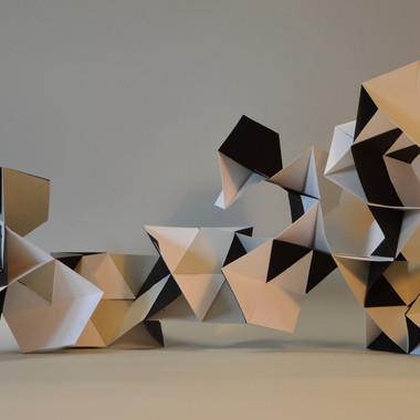 scultura, carta, 52x15x22 cm, 2017