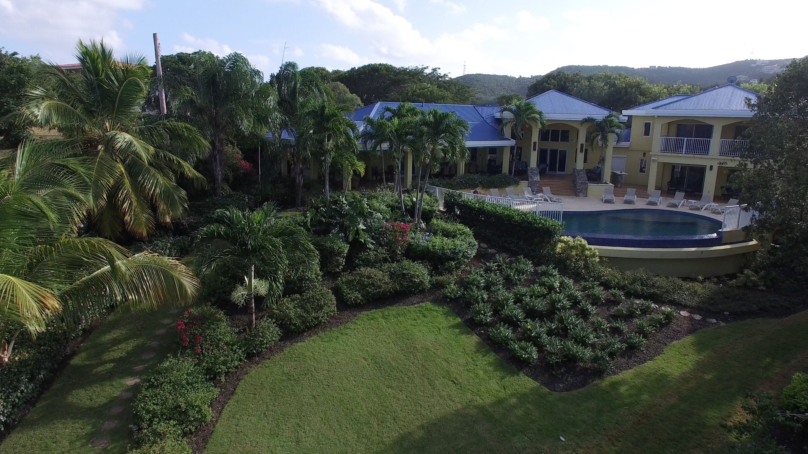 house_pool_1