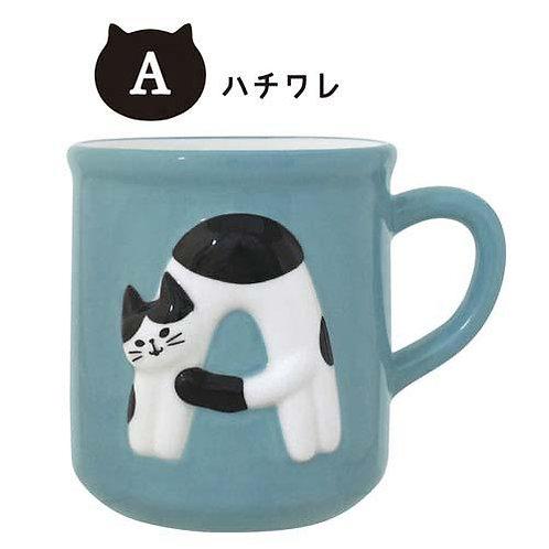 052_271 猫のイニシャルマグ A(ハチワレ)