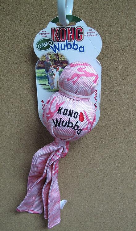 D00818_1 KONG Camo Wubba - Large (Pink)