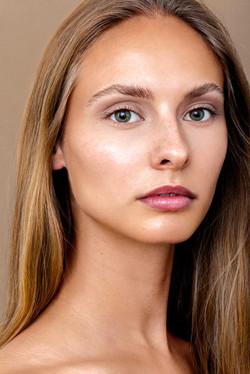 Carolin_Claßen_cleanbeauty_skincare_nudemakeup_jennifer_kluepfel