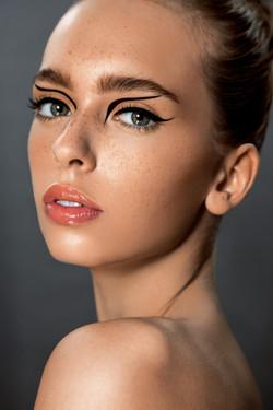 carolin_classen_tolgamayphotography_essen_closeup_MakeupArtist