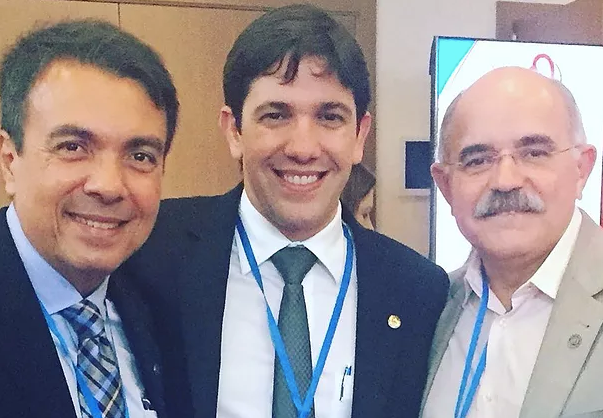 Dr. Sérgio Tavares