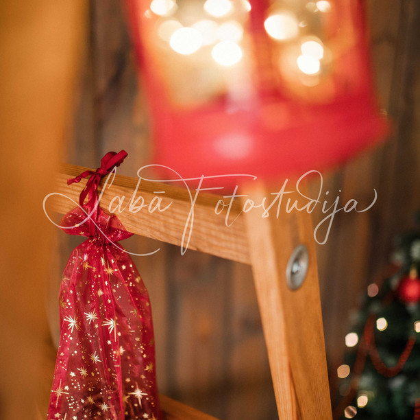 Ziemassvētku fotosesijas, fotostudijas dekorācijas un interjers, www.labafotostudija.lv
