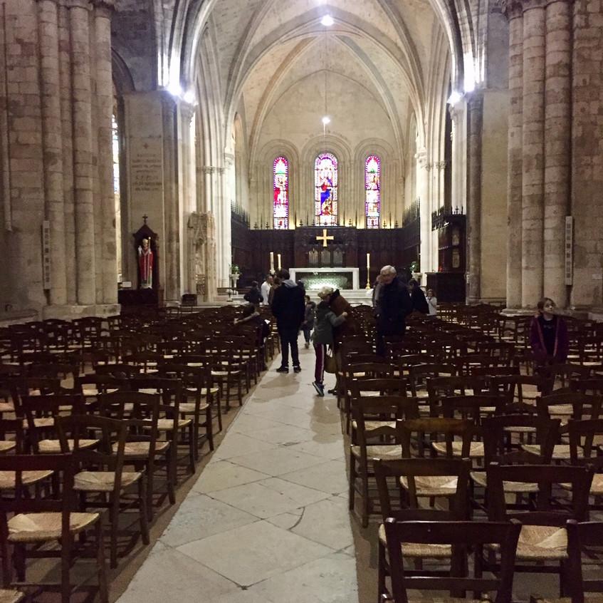 L'entrée à la Basilique Saint-Seurin