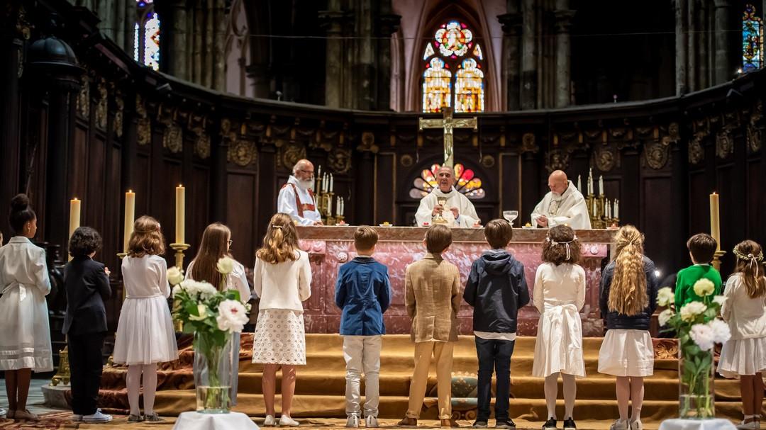 Premières Communions Des élèves Du Primaire