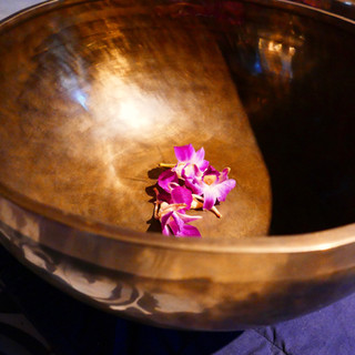 Sound Bowls Gratitude Vietnam Retreat Ve