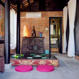 Communal Snug Gratitude Vietnam, retreat