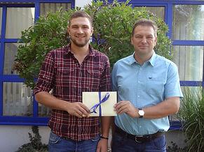 Martin Kagerer als bester Maurer-Azubi geehrt