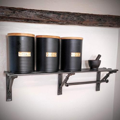 Slatted kitchen shelf with paper towel holder