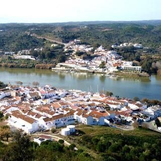 Alcoutim van boven, met uitzicht op Spanje