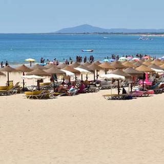 Strandbedjes en parasols