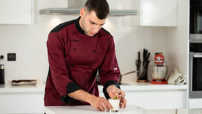 Δροσερή mousse λεμόνι με 3 μόνο υλικά, από τον Pastry Chef των Athenian Times, Παύλο Τσιολέκα