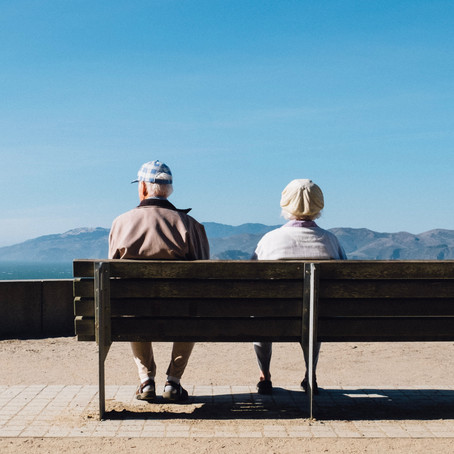 How Can Senior Citizens Benefit from Consuming CBD?