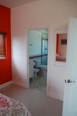 Coral bedroom's bathroom