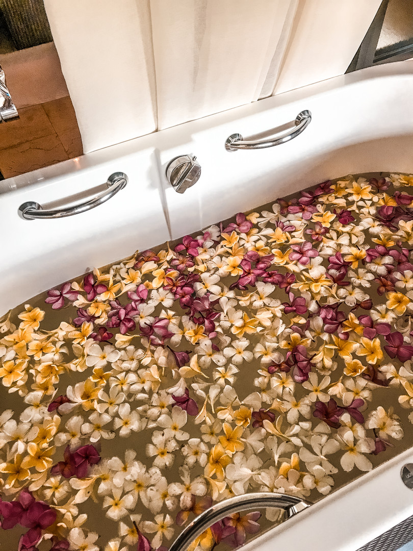 Romantic bath at the Mandapa