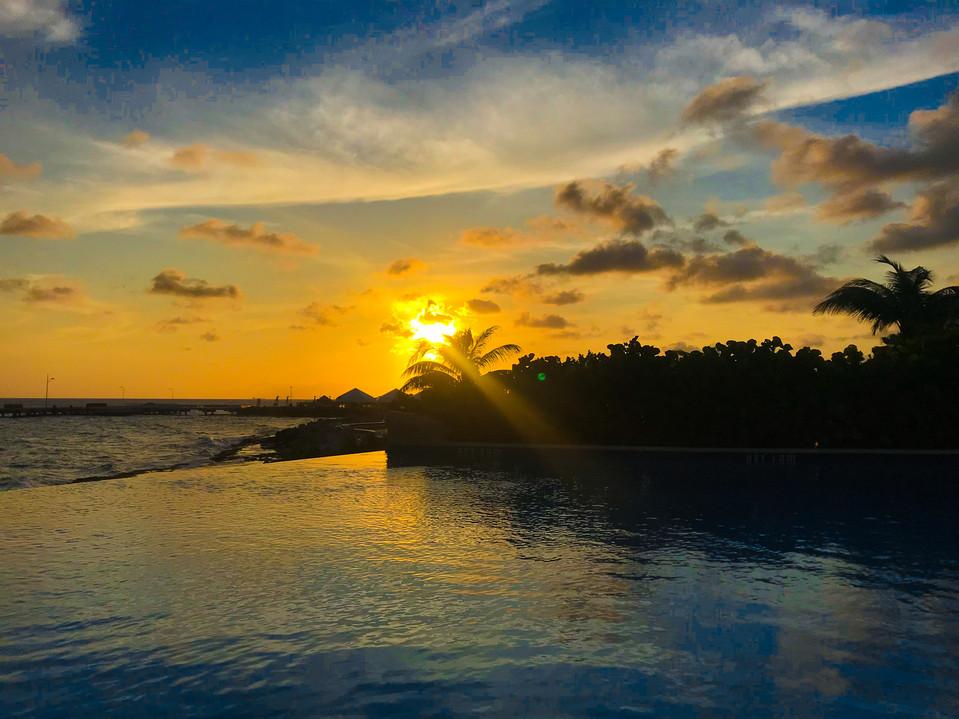 Sunset in Otrobanda