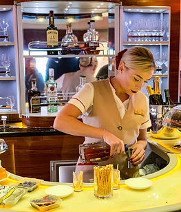 Full Bar on Emirates Business & First Lo