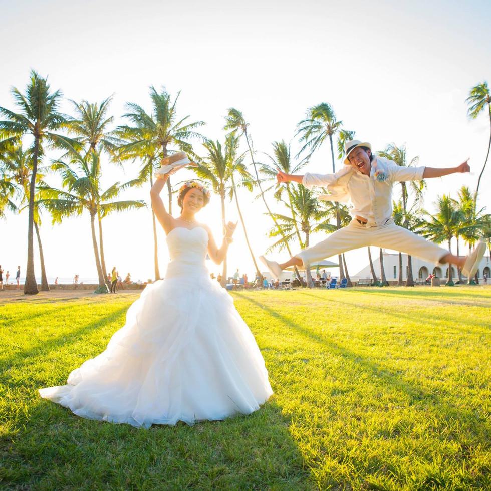 Honolulu Wedding Jumping