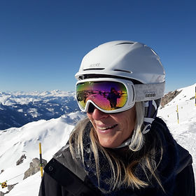Andrea Flütsch private ski instructor for Ben&Joe's, private ski and snowboarding lessons in the Davos-Klosters Mountains is excited to ski with you in the beautiful Davos-Klosters Mountains. She speaks a lot of different languages and is interested in all cultures. Book Andrea for a private ski lesson. She is great with kids and adults!
